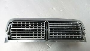 1994 1998 Ford Mustang Center Dash Vents Black Ac Heater Assembly