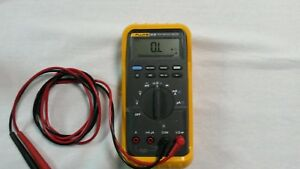 Fluke True Rms Meter Multimeter 85 Iii In Case With Probes Excellent Condition
