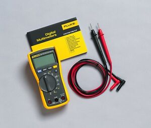 Fluke Auto Ranging Digital Multimeter 115 True Rms