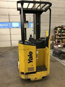 Excellent Low Hour Yale Electric Rider Reach Narrow Aisle Forklift