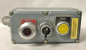 Square D Control Station 3 Button Illuminated Emergency Stop 9357