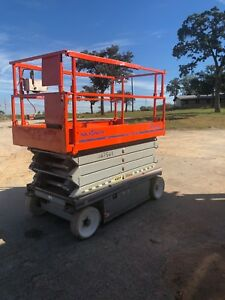 Skyjack Sjiii4632 32 Ft Electric Scissorlift