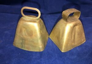 Lot Of 2 Vintage Antique Cow Bells Primitive Americana 3 5 Rustic Farm Clapper
