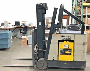 2004 Electric Crown Rc3020 35 Compact Stand Up Electric Forklift 3 500 Lbs