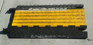 Checkers Yellow Jacket Guard Dog 5 Ch Cable Protector Yellow Lid black Base