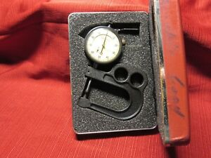 Starrett 1015 B 441 Portable Dial Thickness Gage 001 To 1 Range W Case