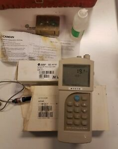 Beckman Phi 260 Handheld Ph Temp Mv Meter With 2 Electrodes