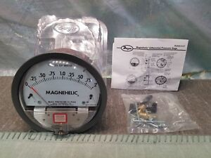 Dwyer 2002 Magnehelic Differential Pressure Gauge 0 2 Inches Of Water 15 Psig