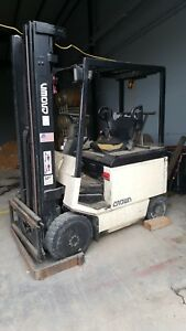 Crown 5000 Electric Forklift Rear Axle Bent But Still Functional M 50fctt 216