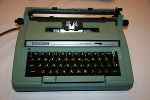 Smith Corona Ct correction Typewriter Portable Electric Typewriter With Case