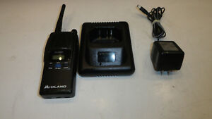 Midland 70 440bp Uhf Transceiver With Antenna Battery Charger