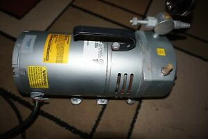 Gast 0523 v542q g588dx Compressor Vacuum Pump 115v For Parts
