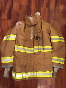 Firefighter Globe Turnout Bunker Coat 36x32 Gx 7 Costume 2005 No Cut Out