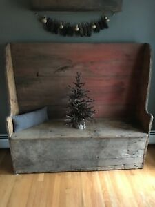 Early Style Primitive Wooden Settle Bench Square Nails
