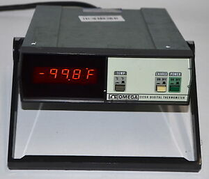 Omega Digital Thermometer Model 2175a used Power On Tested