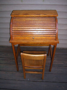 Vtg Nice Sturdy Collector S Roll Top Kids Desk Chair Mission Medium Oak Decor