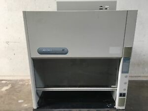 Labconco 2247300 47 Fume Hood With Standard Blower 115 Vac 60 Hz