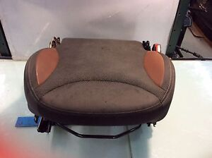 14 15 Fiat 500l 4dr Front Right Seat Lower Bottom Cushion W Track Oem R
