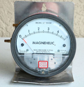 Dwyer Magnehelic 2005 Pressure Gauge 0 5 Inches Water Steam Cosplay Props
