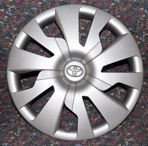 1 Toyota Yaris Hubcap One Oem Real Toyota 61176 Hubcaps 2015 To 2016 A77