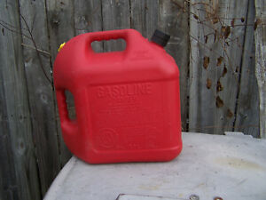 Blitz 5 Gallon Gas Can With Flexible Spout And Cap