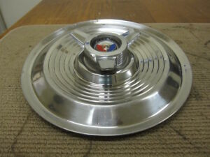 1963 64 Ford Galaxie 500 Xl 406 427 15 Spinner Hubcap Red White Blue Crest 2376