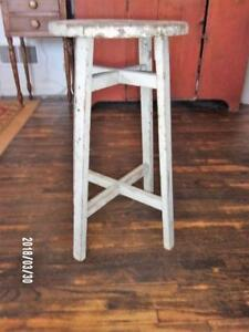 Aafa Antique Primitive Side Table Candle Stand Fern Old White Oyster Paint