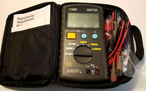 Aemc Digital Megohmmeter Model 1026 With Test Leads Clips And Case