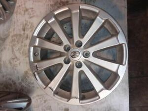 Wheel 19x7 1 2 Alloy 10 Spoke With Notched Ends Fits 09 13 Venza 1680262