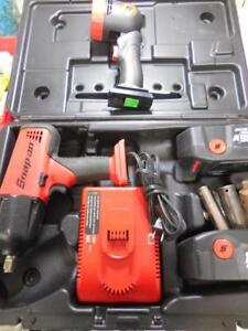 Snap On Ct6850r 1 2 Impact Wrench W 2 Batteries Charger Case And Work Light