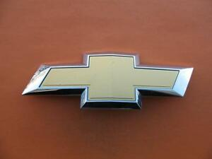 15 16 17 18 Chevy Suburban Tahoe Front Grille Emblem Badge Logo Bow Tie Oem 1