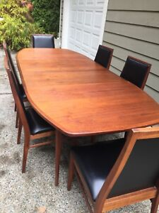 Dillingham Mid Century Walnut Dining Table And 6 Chairs