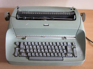 Vintage 1970 s Ibm Selectric Model 71 Green Electric Typewriter Needs Work
