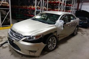 Automatic Fwd Transmission Out Of A 2011 Ford Taurus 3 5l With 56 487 Miles
