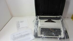 The Vermont Country Store Manual Typewriter With Case Carina a