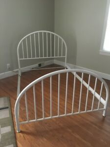 Vintage Antique Metal Full Size Bed Iron Tube Bed Morris Bed