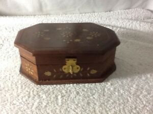 Gorgeous Wooden Jewelry Trinket Box With Brass Inlays On Top Around Box