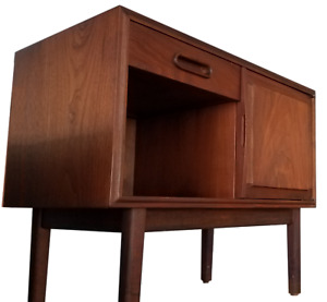 Jack Cartwright Mid Century Modern Danish Walnut Teak Night Stand Bedside Table
