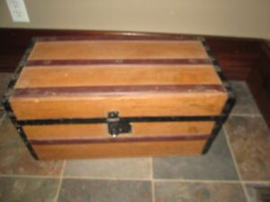 Child S Antique Wood Trunk Metal Straps Wood Handles Flat Top 24 Ins Wide