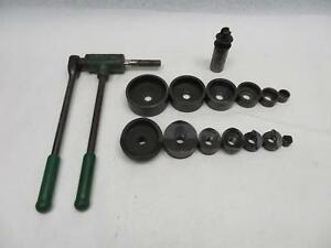Greenlee Ratchet Knouckout Puller With Knockout Punches Model 1804
