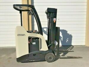 2010 Crown Electric Forklift 2015 Battery 11 614 Hrs Stand Up Narrow Aisle