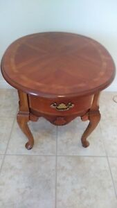 Vintage Maple Furniture Queen Anne Wood Oval End Side Table Unknown Maker