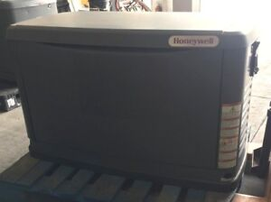 Used Honeywell 60hz Air cooled Generator 17 Kw 240v Engine Gt 990 Hours 1577 2