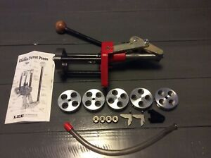 LEE CLASSIC 4 HOLE TURRET RELOADING PRESS WITH EXTRAS
