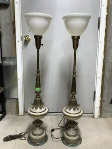 Pair Stiffel Hollywood Regency Urn Trophy Table Lamps For Restoration