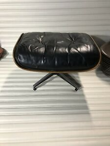 Original Vintage Herman Miller Eames Lounge Chair Ottoman Five Ply