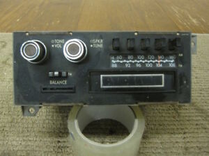 Mopar 1977 Chrysler New Yorker Am Fm 8 Track Radio Z2444