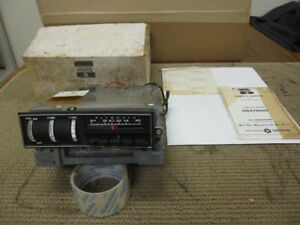 Plymouth Mopar Am Thumbnail Radio Nos 2884103 Z2244