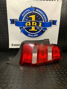 Tail Light Right passenger Assembly Ford Mustang 2010 2011 2012