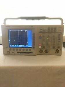 Tektronix Tds 3012b Two channel Color Digital Phosphor Oscilloscope 100mhz
